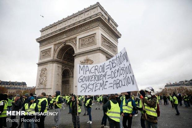 بحران جلیقهزردها درفرانسه؛ تداوم تورهای گردشگری ایرانی به پاریس