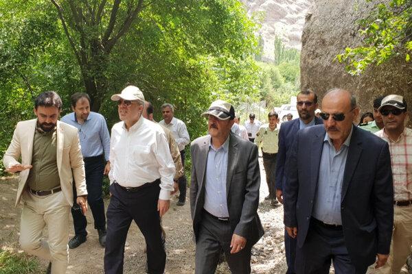 معاون رئیس جمهور از جاذبههای گردشگری الموت بازدید کرد