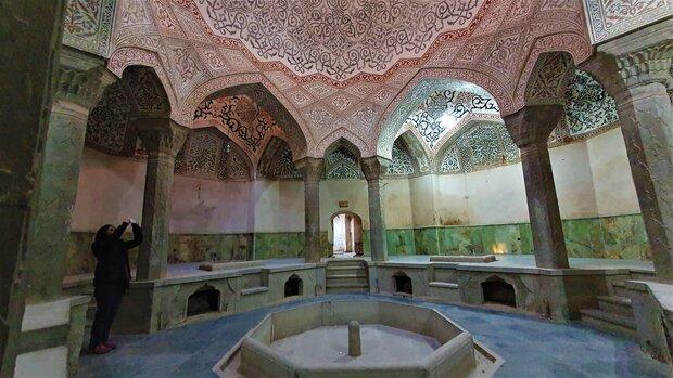 حمام عباس میرزا را با سرامیک سبز مرمت کردند!